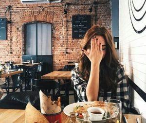 キャバ嬢がプライベートでカフェをしている